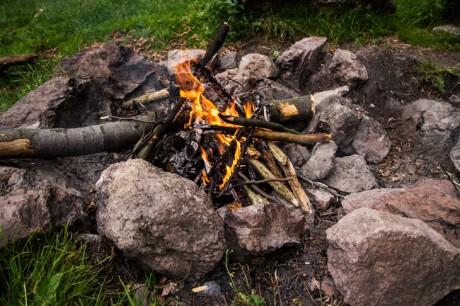 2014-07-05 Lagerfeuer machen 01